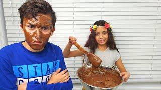 नाटक खेलने चॉकलेट चेहरा