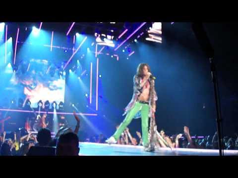 Aerosmith - Dream On Live at Toronto Air Canada Centre 2010