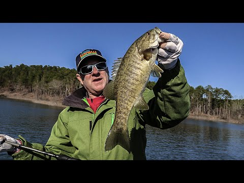 Fox Sports Outdoors Southwest visits Broken Bow Lake to bass fish - Full fishing episode