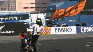モータースポーツジャパン2012にて撮影しました。 非常に華麗でアクロバ...