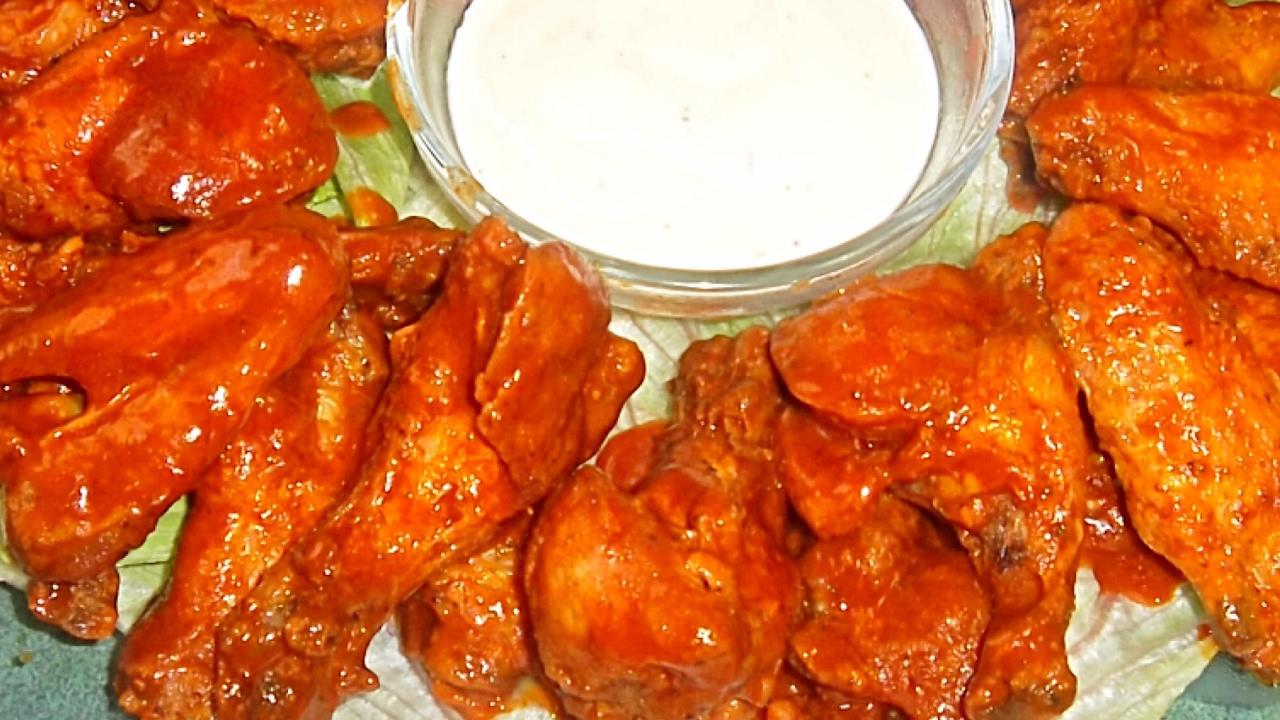Alitas de pollo picosas receta facil complaciendo - Comidas con pollo faciles ...