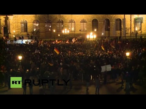 LIVE: camera in the heart of the PEGIDA demo in Dresden