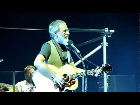 Yusuf Islam (Cat Stevens) - Oh Very Young - Rotterdam 2011 (HD) (Lyrics)