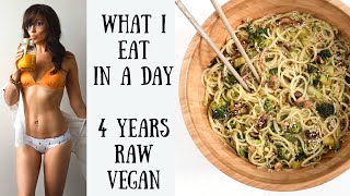 WHAT I EAT IN A DAY || 4 YEARS RAW FOOD VEGAN ANNIVERSARY