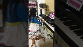 simplypianoというアプリを購入してみて、キーボード遊び、ピアノ練習を...