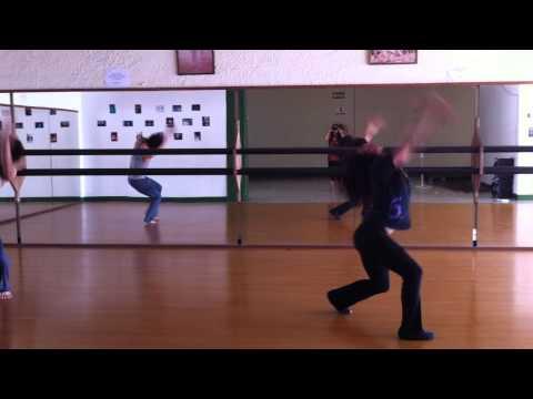Experimentación de movimiento. Puntos Suspensivos Danza