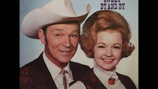 Roy Rogers and Dale Evans ~ Medley: Whispering Hope/Star of Hope