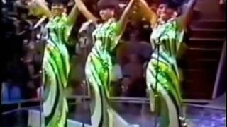 Diana Ross and The Supremes in 1968, singing: Stop! In The Name Of ...