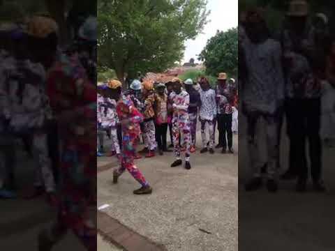Izikhothane Dance to Distruction Boyz: Haybo Hey