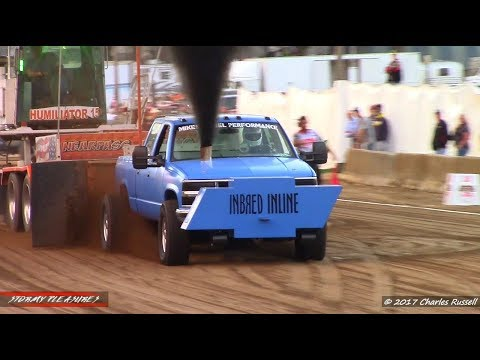 Tractor/Truck Pulls! 2017 Hillsdale County Fair Pull! Wolverine Pullers (Session 1)