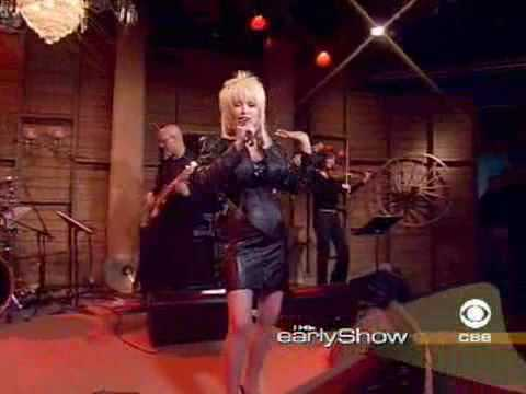 Dolly Parton sings '9 to 5'