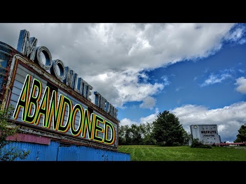 Abandoned Roadside Attraction - Moonlite Drive In Theatre