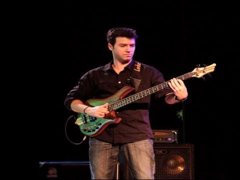 MELODIC LATIN JAZZ BASS SOLO /// Fernando Petry