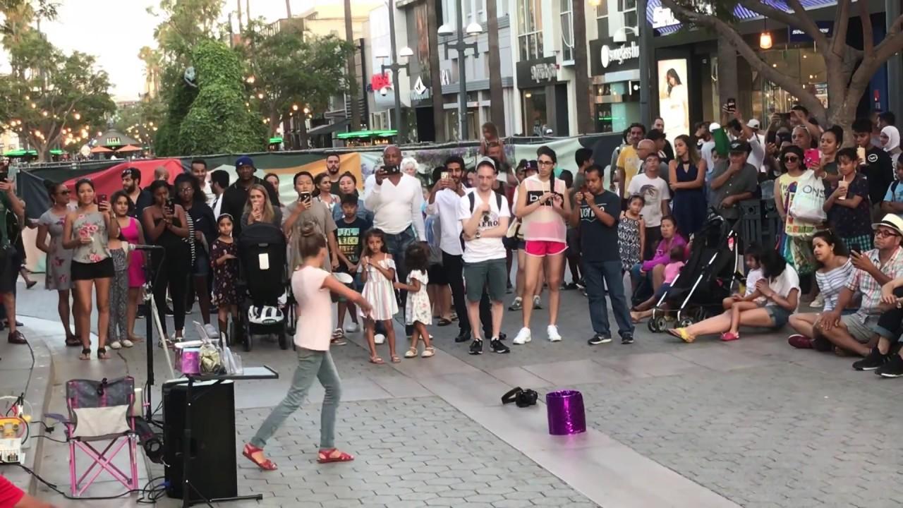 Despacito Karolina Protsenko Street Violin Performer Kid Busking Youtube