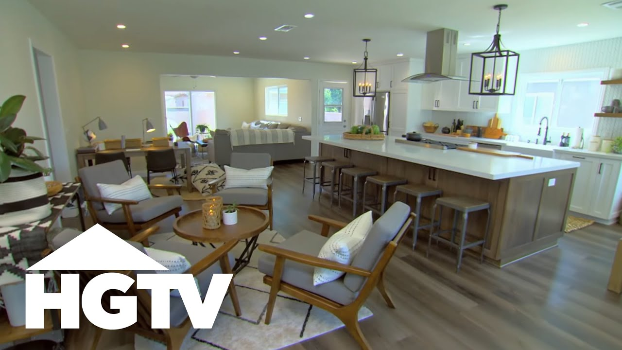 Outside of the Box Kitchen | Christina On The Coast | HGTV
