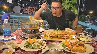 Eating SEAFOOD FEAST in Vietnam