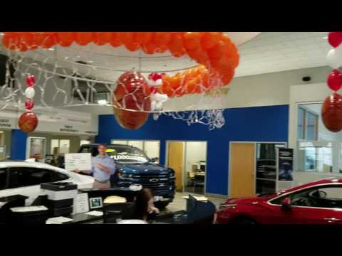 balloon-decor-march-madness-chevy-dealership-basketball-theme-2017