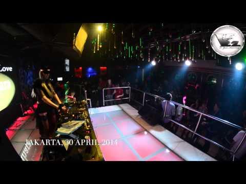 V2 Club Jakarta FROM RUSIA WITH LOVE DJ ANNA SAHARA