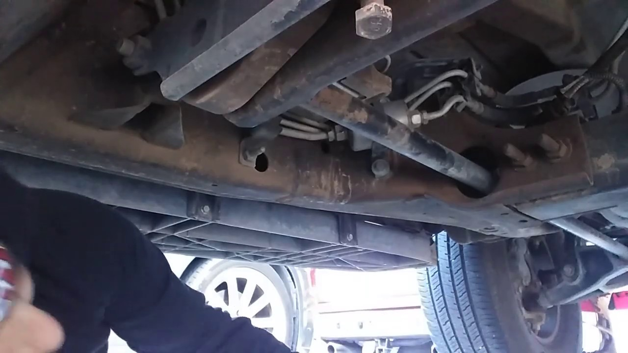 2002 Chevy Tahoe Fuel Filter - YouTubeYouTube