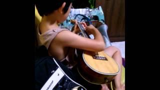 8살 하윤이의 우쿨렐레 연주..♥