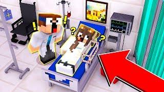 Michelle entfernt ihren Arm in Minecraft! (Troll Wars)