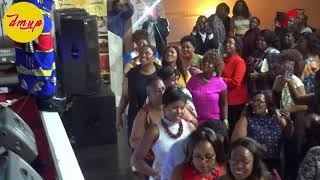 Gambar cover Sipho Makhabane live 7 (There is a race)