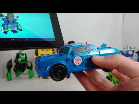 Ashton reviews how to scan Transformers robots in Disguise guys