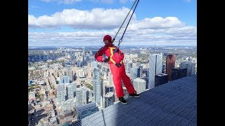 Date Night in Toronto and CN Tower Edge Walk - Travel with Arianne - Travel Canada episode #14