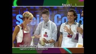 Tagliolini al pesto e pomodorini - Social Cooking