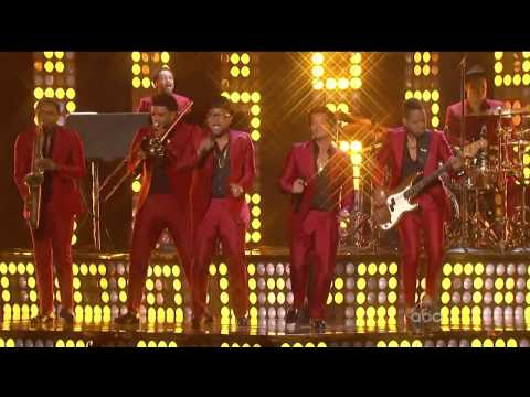 Bruno Mars - Treasure Video HD (Remix...
