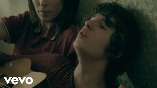 Repeat youtube video The Kooks - She Moves In Her Own Way