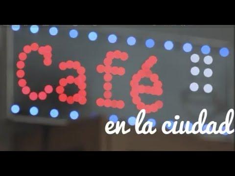 Café en la ciudad-Patio de cristal