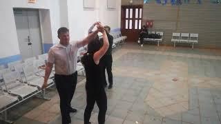 Урок 1 - Как танцевать школьный вальс.