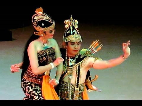 BEAUTIFUL Ramayana Dance - RAMA SHINTA KIJANG Kencana - Javanese Classical Dance [HD]
