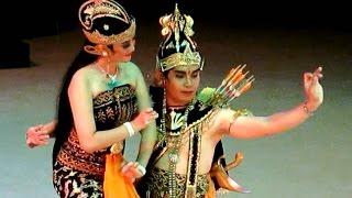 Video BEAUTIFUL Ramayana Dance - RAMA SHINTA KIJANG Kencana - Javanese Classical Dance [HD] download MP3, 3GP, MP4, WEBM, AVI, FLV September 2019