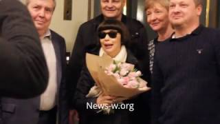 Mireille Mathieu & fans after Moscow live show in Kremlin Palace 14.03.2017