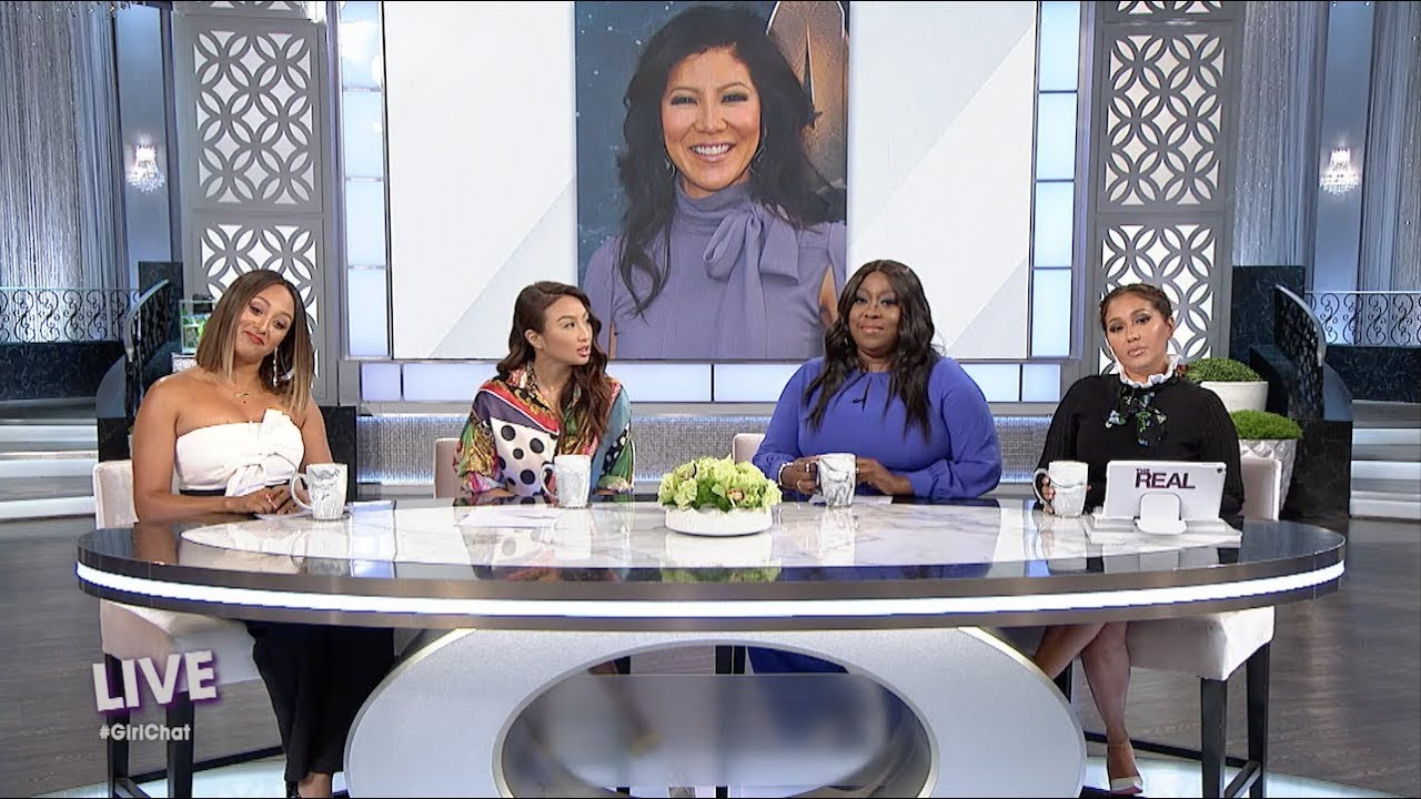 Mammy came to Julie Chen's defends