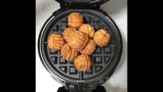 와플기계로 호두과자 누르기 Pushing walnut-…