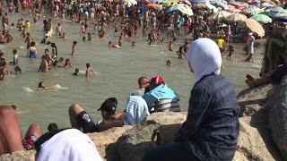 Au Maroc, le burkini ne fait guère de vagues