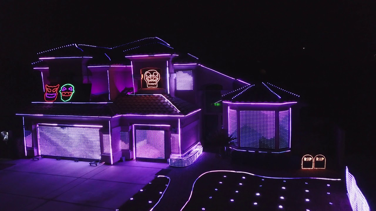 The Great Christmas Light Fight 2019.Richins Halloween Lights 2019 The Greatest Showman