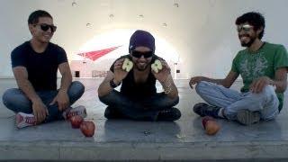 Como cortar una manzana con un solo dedo - ChideeTv