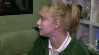 Steph's first cardiac arrest - Episode 1 | Junior Paramedics