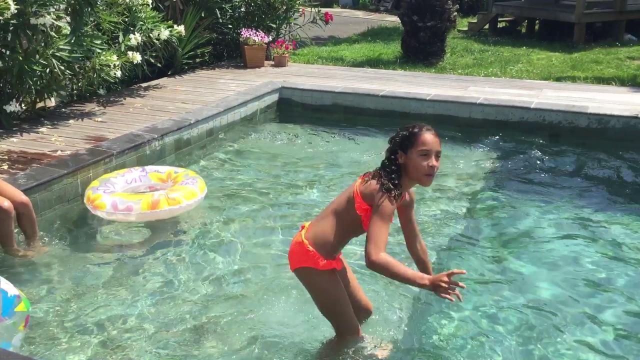 Moi A La Piscine chez moi dans la piscine - youtube