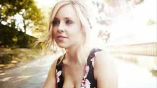 Diana Vickers - Jumping Into Rivers (New track from her Debut Album)