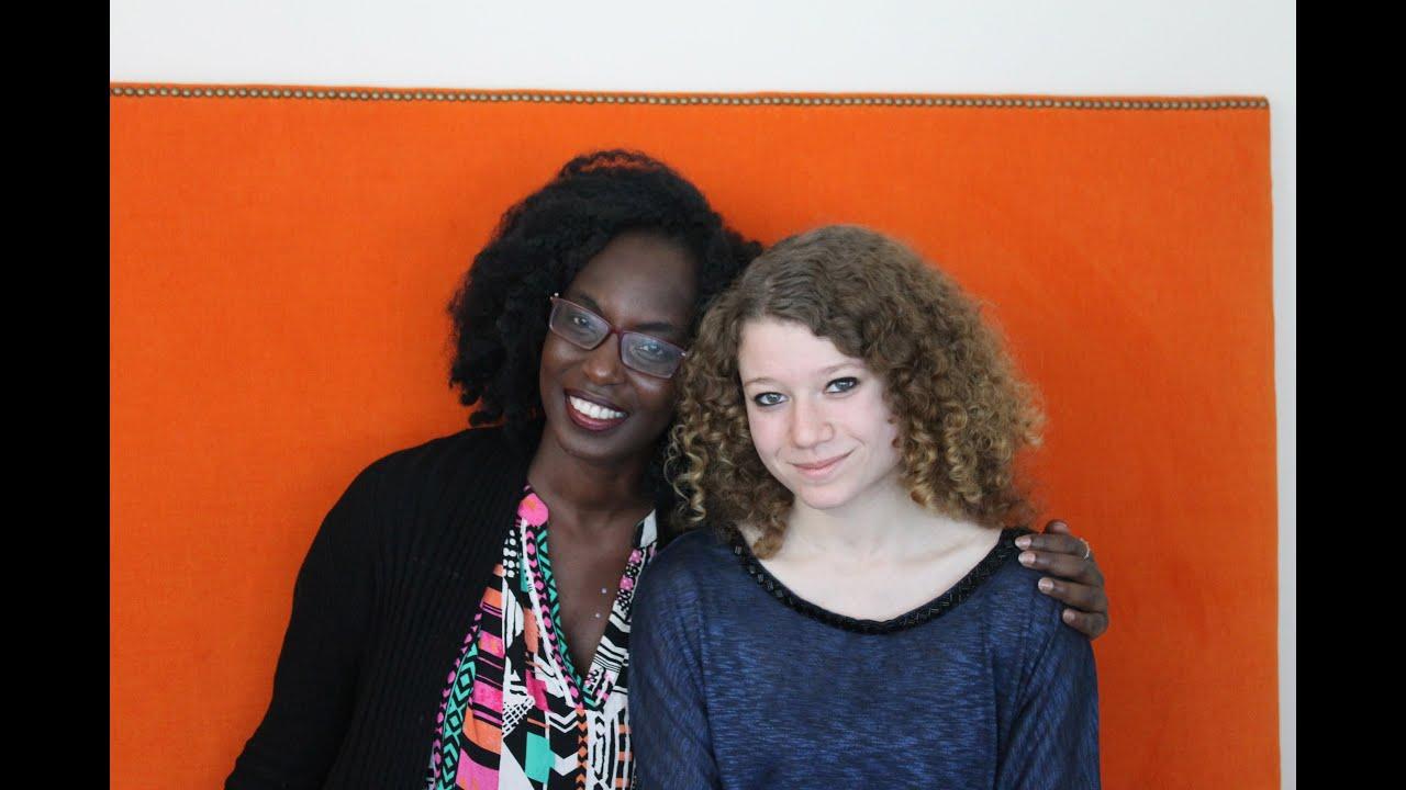 Bücherstapel gezeichnet  Interview with Yvonne A. Owuor (german subtitles) | Das ...