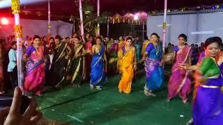 Bhoir sisters dance
