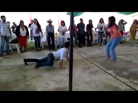 Quebonito es lo bonito !--El baile de la iguana