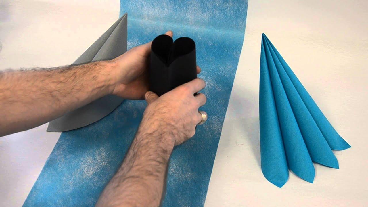 pliage de serviette en forme de coeur youtube. Black Bedroom Furniture Sets. Home Design Ideas