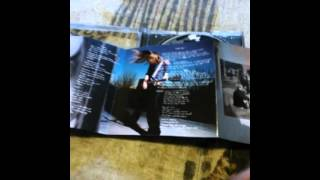 CD Opening: Avril Lavigne- Let Go