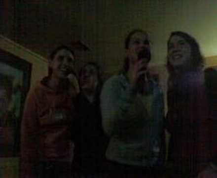 Las Chicas de Barrie en el Karaoke